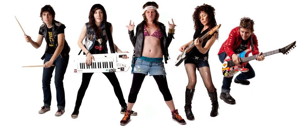 "Integrantes de la banda Kumbia Queers, ""seis chicas que tocan punk tropical"", en un proyecto que nació en Buenos Aires en 2007."